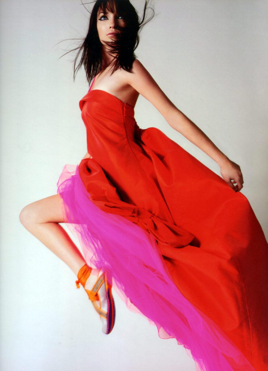 Melissa Laskin hopping